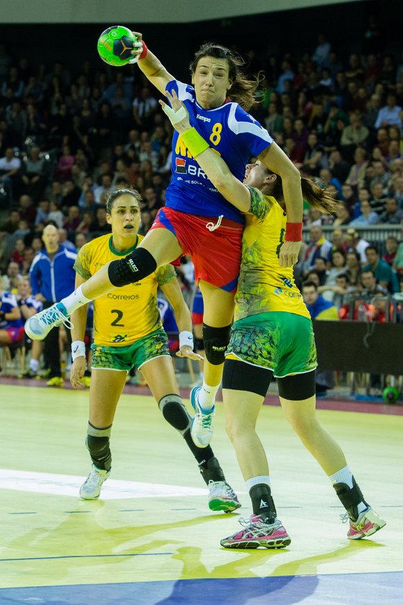 handbal feminin: Romania - Brazilia 27-19 la Trofeul Carpati 2015 disputat in Sala Polivalenta din Cluj-Napoca © FOTO: Mircea Rosca / www.ActionFoto.ro